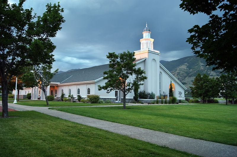 lds meetinghouse 9 powerful reasons why we should attend our church meetings
